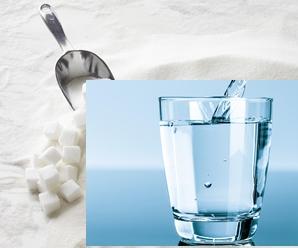 Mezcla de agua con azúcar